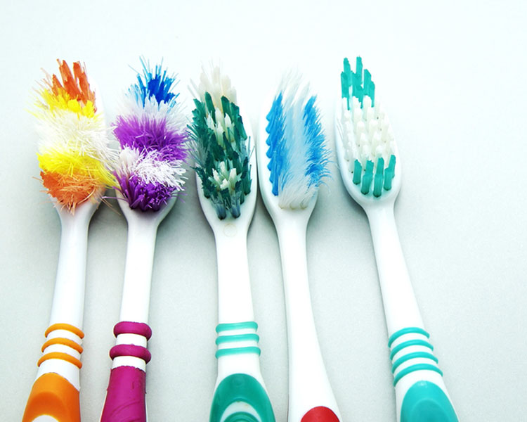 5 Clever Uses for Your Old Toothbrush
