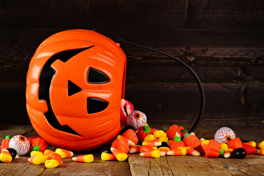 5 Oral Health Tips to Manage Halloween Treats