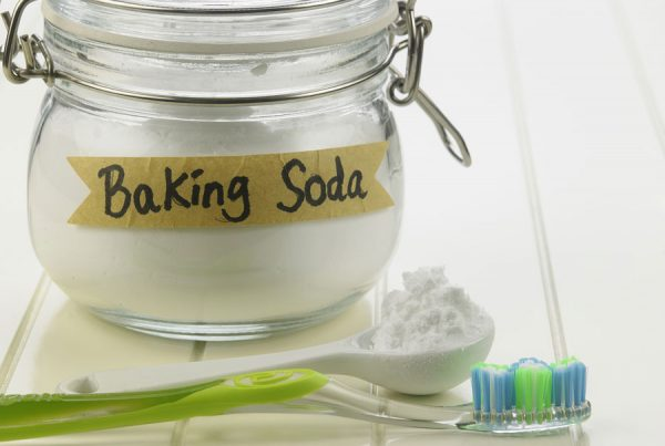 Is it Safe to Use Baking Soda to Brush my Teeth?